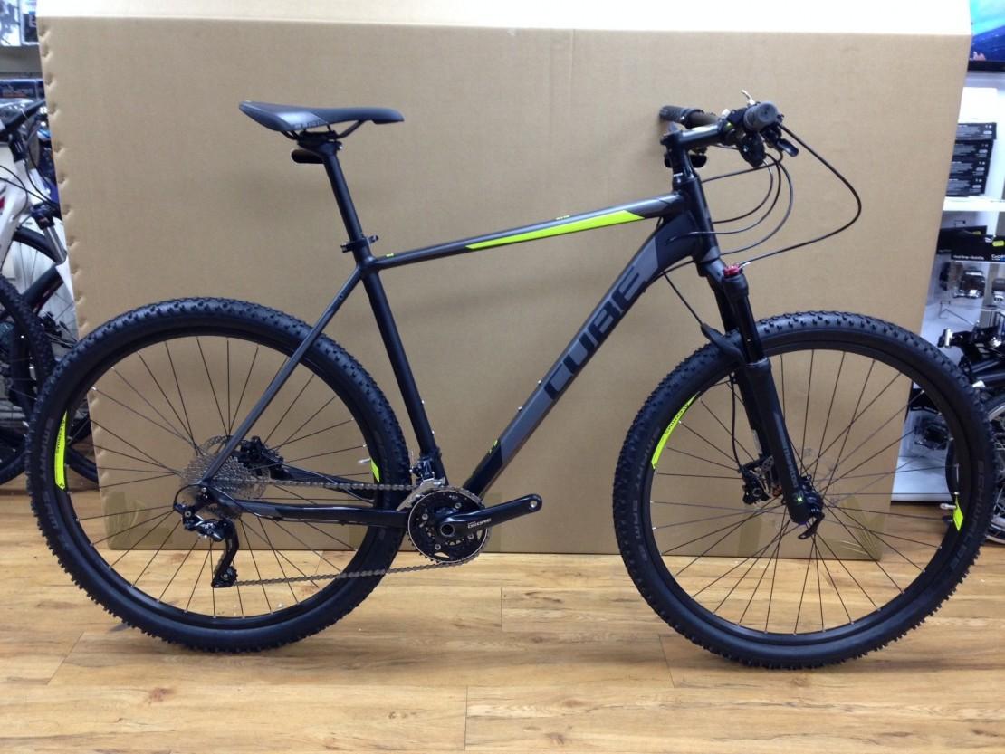 cube acid 29 2016 black hardtail mountain bike 29er mountain bikes from 400. Black Bedroom Furniture Sets. Home Design Ideas