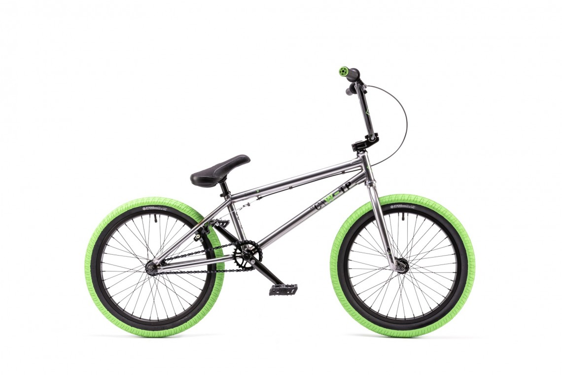 We The People Curse 20 2016 Bmx Bike on 5 Feet 3 Inches