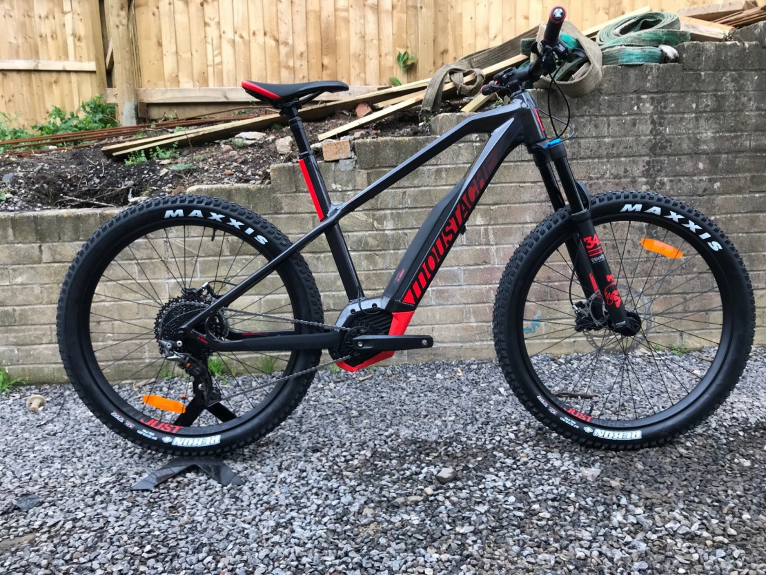 moustache samedi 27 off 8 2018 electric hardtail mountain bike. Black Bedroom Furniture Sets. Home Design Ideas